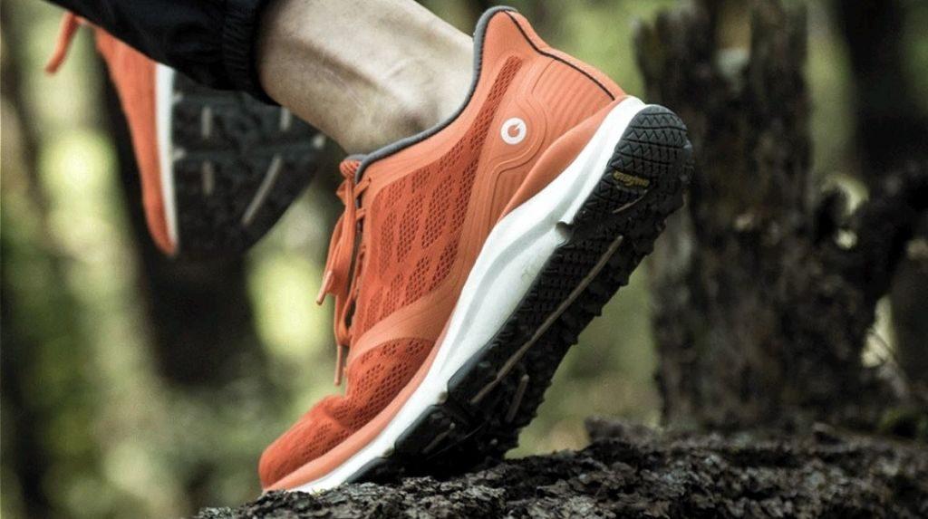 """... apparenti rispetto alle scarpe sportive """"tradizionali"""". La scarpa è  stata studiata per avere una buona ergonomia e per resistere nel tempo bc79d1e6326"""
