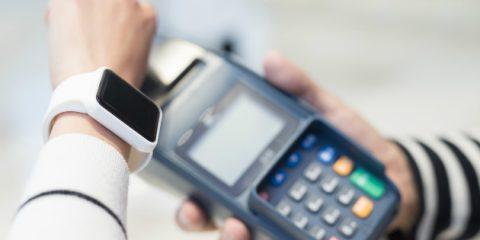 Smartphone e smartwatch, facile arrivare al nostro codice bancomat con il digital profiling