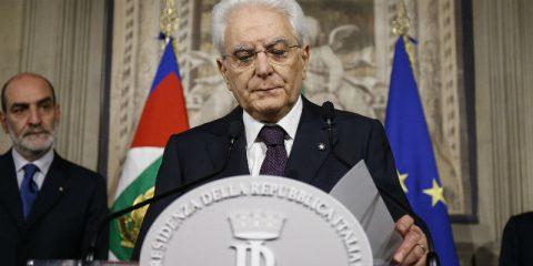 L'Italia sta entrando in una nuova era politica, Rajoy spera di chiudere al più presto la crisi, Incontro Usa-Giappone
