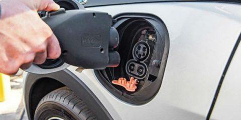 Auto elettriche, a maggio le vendite in Italia aumentate del 300%