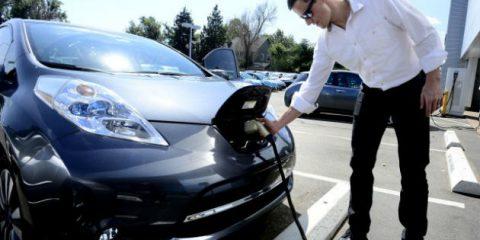 Auto elettriche, le vogliono 50 milioni di americani e la California investe 800 milioni di dollari in infrastrutture
