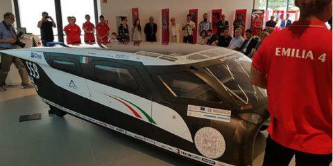 Auto elettrica, 'Emilia 4' la bolognese che va col sole e sfreccia a 110 km/h
