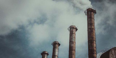 Ermergenza clima a causa degli impianti di gas, In Spagna scoppia il caso 'La manada', Macron denuncia la 'lebbra' populista
