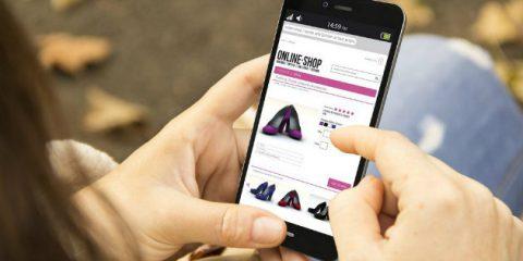 Ecommerce al 6,5% del retail nazionale, un terzo degli acquisti via smartphone
