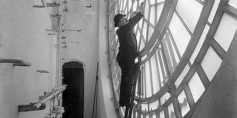 Quando il tempo veniva scandito dai grandi orologi: Manutenzione straordinaria al Big Ben (Londra 1920)