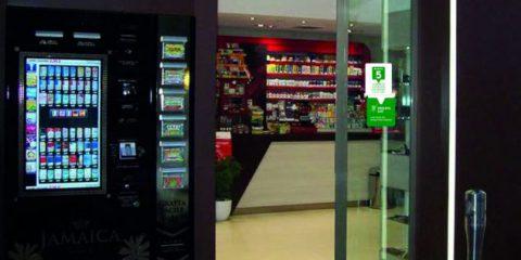 Intesa Sanpaolo, i clienti come fanno a prelevare il denaro in tabaccheria?