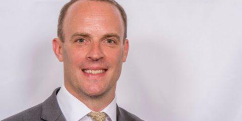 Openreach, il ministro inglese Raab attacca BT 'Controllo della rete danno per i consumatori'