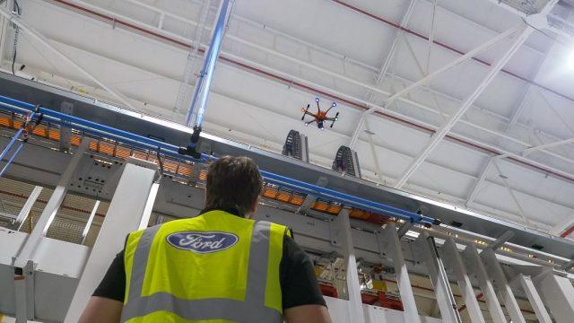 Ford cosa fa il drone sulle catene di produzione video for Consulente d arredo cosa fa