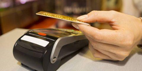 Carte di pagamento, attenti ai ladri 'contactless' (Video)