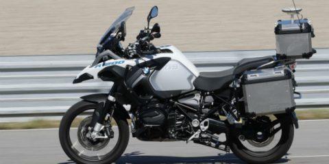 Moto a guida autonoma, in strada il nuovo prototipo di due ruote 'self riding' (Video)