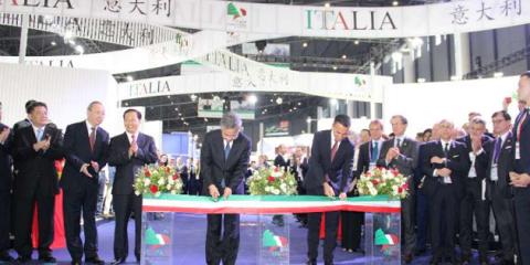 Luigi Di Maio in Cina, scambi per 42 miliardi nel 2017. Al via cooperazione su innovazione, ambiente e smart city