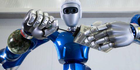 Robot economy, in Italia aumentano i posti di lavoro a rischio automazione. Contratti sempre più 'atipici'