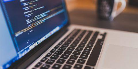 Per i professionisti IT l'intelligenza artificiale è l'arma decisiva contro gli attacchi informatici
