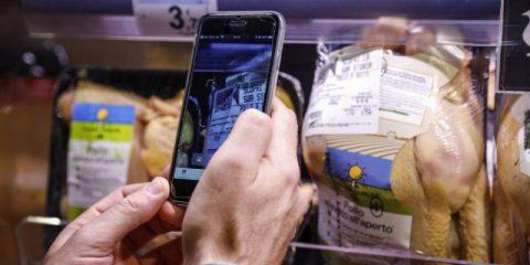 Carrefour Italia, al via il tracciamento della filiera del pollo con la blockchain