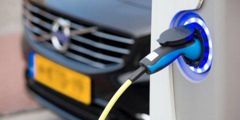 Olanda patria della mobilità elettrica, è il Paese al mondo che ha più stazioni di ricarica