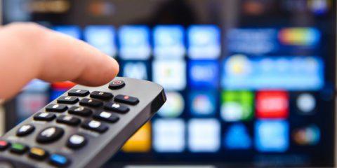 Riforma dei media audiovisivi, ok da Parlamento Ue a nuove regole su pubblicità e contenuti 'Si applicheranno anche a Netflix'