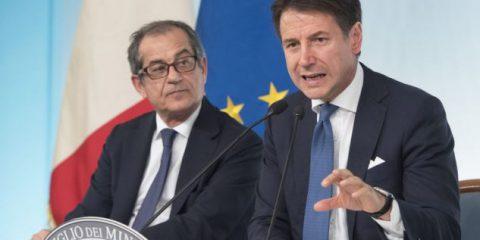 Reddito di cittadinanza, il premier Conte 'Da aprile consegniamo una tessera con 780 euro al mese'