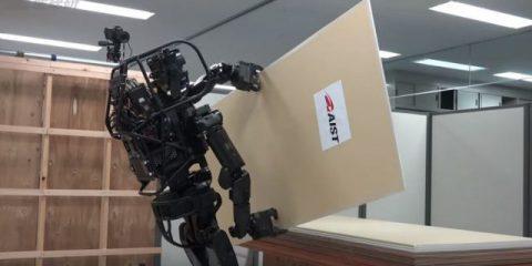 Il futuro dell'edilizia, l'AIST presenta il nuovo robot 'carpentiere' (Video)