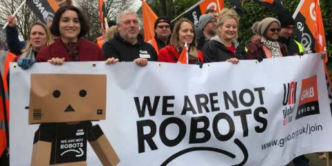 Amazon, nel giorno del Black Friday è sciopero in Germania, Francia e Spagna