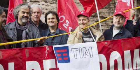 Tim e settore Tlc, allarme sindacati 'Servono regole e scelte industriali per evitare collasso'