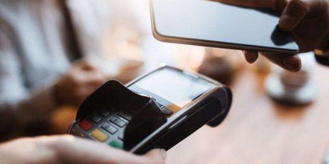 Cosa Compro. Pagare con lo smartphone, le 3 carte da prendere in considerazione