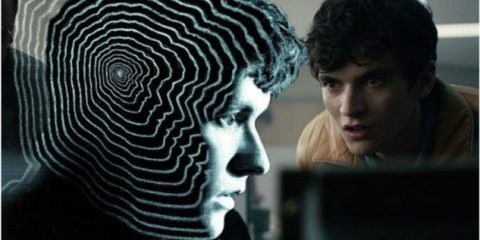 Privacy, con l'episodio interattivo 'Bandersnatch' di Black Mirror scegli la trama, ma cedi nuovi dati: le emozioni