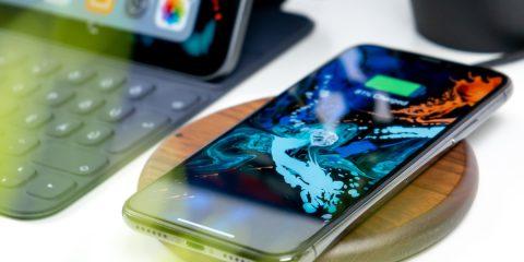 Prima ricarica smartphone, i consigli (veri) per mantenere le batterie in salute