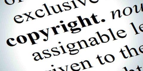 Mediaset piega Facebook in tribunale, sentenza contro la pratica del linking