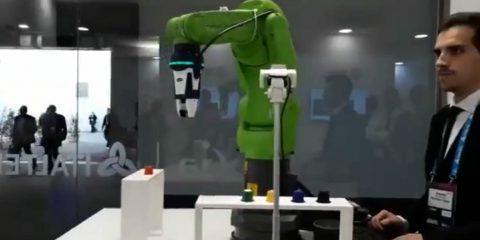 Exprivia Italtel presenta il cobot che chatta con noi e usa la computer vision