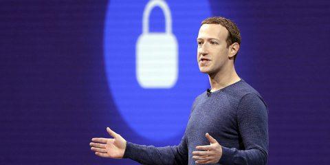 Facebook, il 'gangster digitale' incontra il Governo Uk