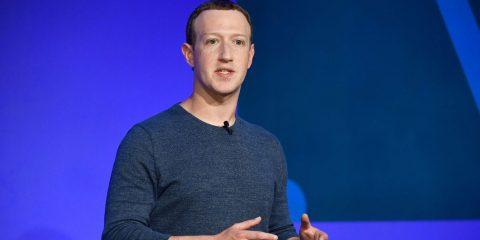 Cambridge Analytica, Zuckerberg sta negoziando con la FTC la multa milionaria del secolo