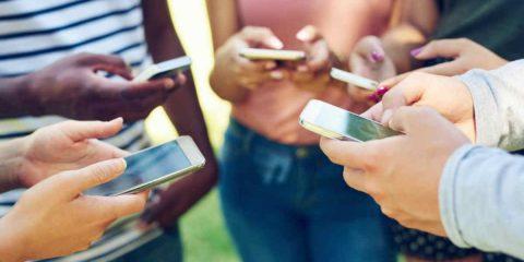 La dipendenza dagli smartphone, come rimediare?