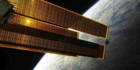 Luna, la Cina costruirà una stazione fotovoltaica orbitale