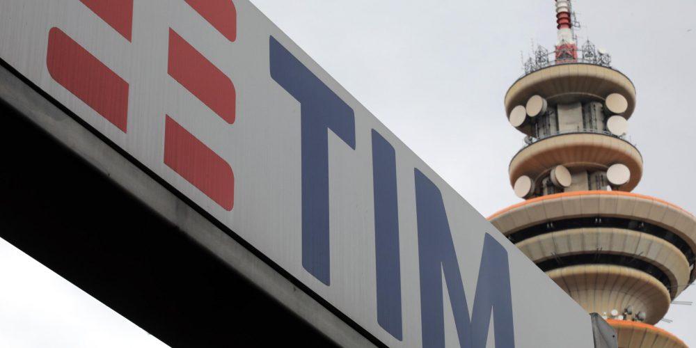 """Antitrust: """"Tim ha ostacolato l'ingresso di Open Fiber"""". Il Gruppo rischia forte multa"""