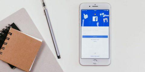 Troppo tempo su Facebook in ufficio? Cassazione: 'Sì al licenziamento'