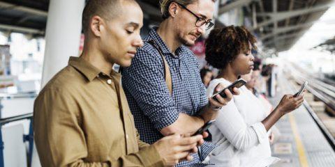 Report Digital 2019, italiani connessi 6 ore al giorno