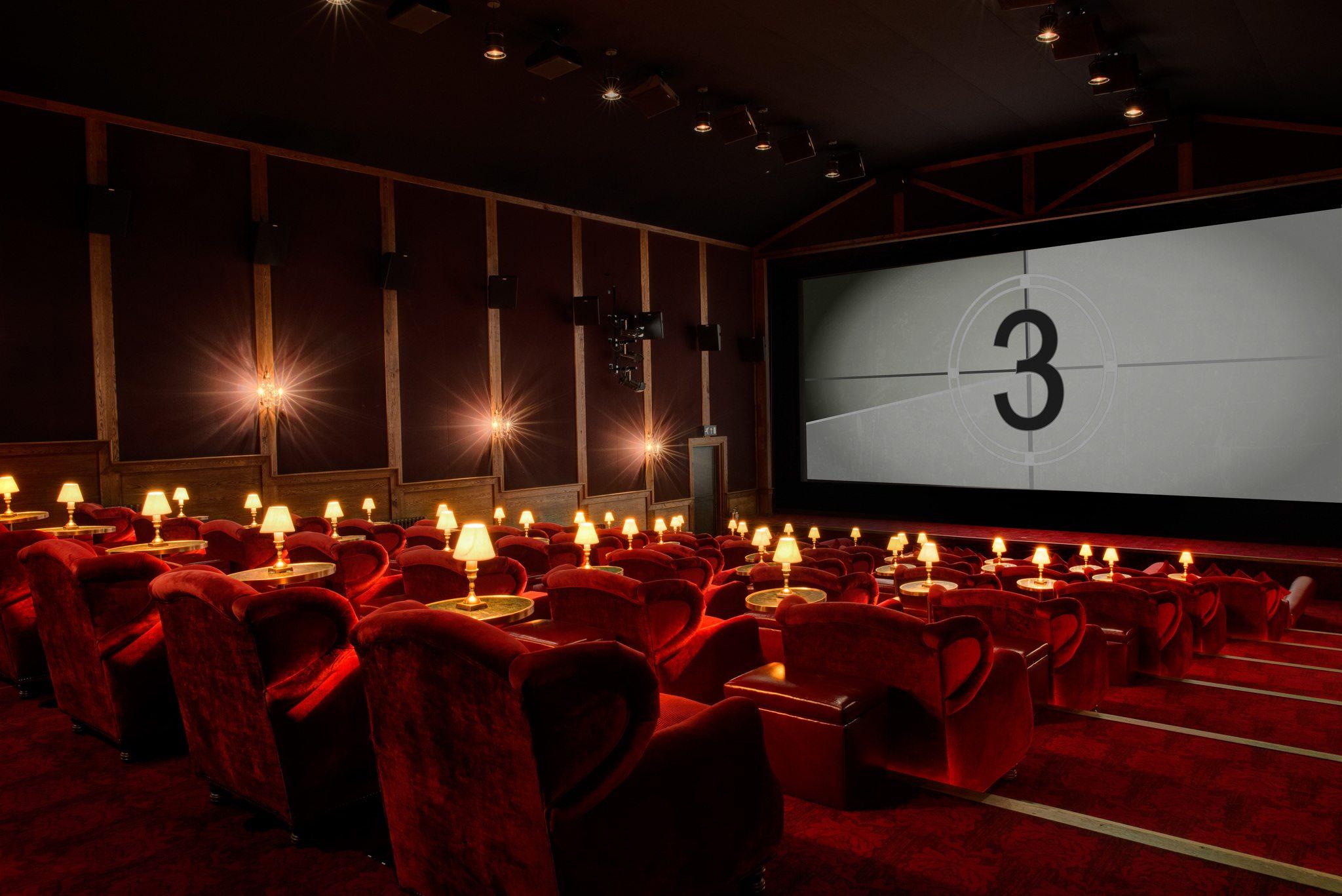 La crisi si aggrava. Requiem per il cinema in sala?