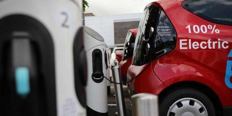PNRR e auto elettriche: previsti 21.255 punti di ricarica per l'Italia. Lontanissimi della media UE