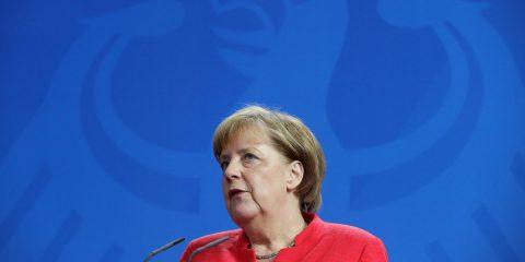 5G, Merkel a Trump: 'Non riceviamo ordini. Definiamo da soli i nostri standard'