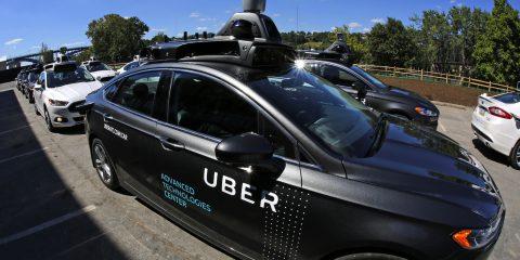 Uber, da Softbank e Toyota 1 miliardo di dollari per la guida autonoma