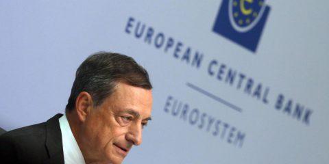 Draghi taglia i tassi
