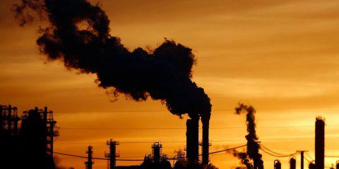 Combustibili fossili, perché dopo l'Accordo di Parigi la situazione è peggiorata