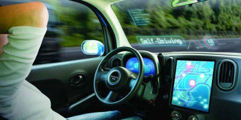 Guida autonoma: in Europa mercato da 191 miliardi nel 2030. Il 30% degli italiani guida connesso