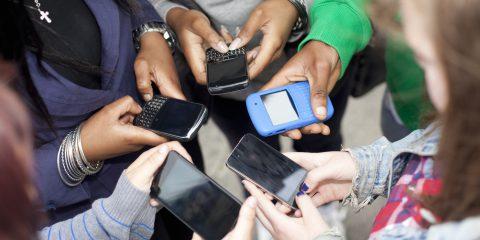 Adolescenti Digitali: attenzione alla percezione del gruppo social