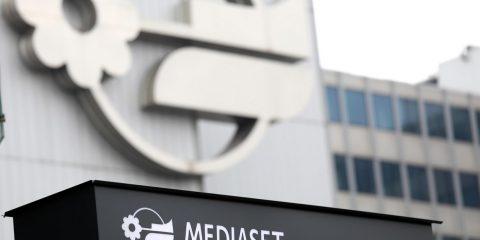 Mediaset impedisce a Vivendi di votare