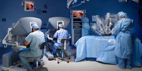 Come cambiano gli ospedali con l'intelligenza artificiale e quali sono i rischi