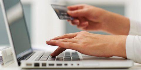 RC Auto, truffe online per 3 milioni di euro. Nell'indagine finiscono anche gli internet service provider