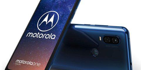 Motorola OneVision: smartphone (quasi) full screen di fascia media per buoni scatti al buio