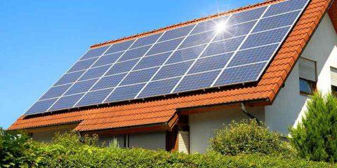 Bollette care per sempre o investimento sul fotovoltaico: cosa costa di più?
