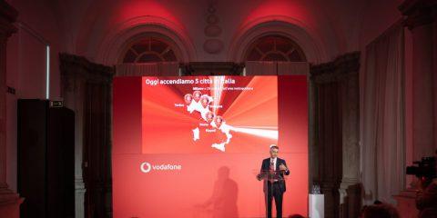 Vodafone, il 16 giugno il lancio commerciale del 5G per aziende e consumatori